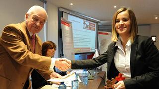 Cruz Roja premia a Covirán por su política de empleo