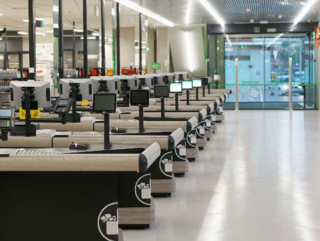 Para el diseño del nuevo mueble de caja, Mercadona ha contado con la colaboración del Instituto de Biomecánica de Valencia