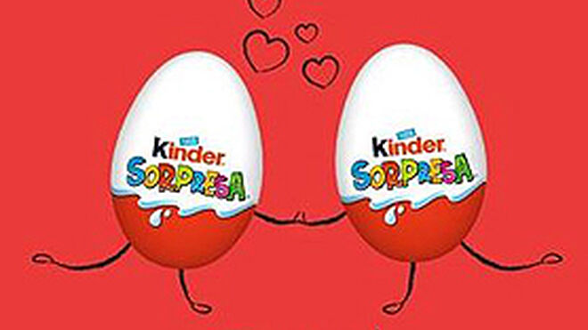 Kinder Sorpresa se 'viste' para San Valentín con dulces mensajes