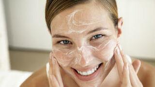 La industria cosmética europea reduce el uso de partículas plásticas