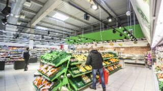 Eroski halla una fórmula para bajar el coste de luz de sus tiendas