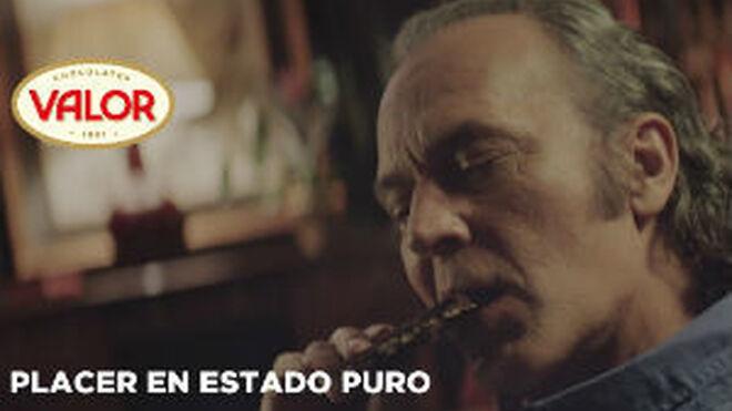 José Coronado se une a la nueva campaña de Chocolates Valor