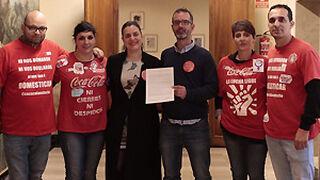 Podemos, más boicot a Coca-Cola: pide que no se beba en el Senado