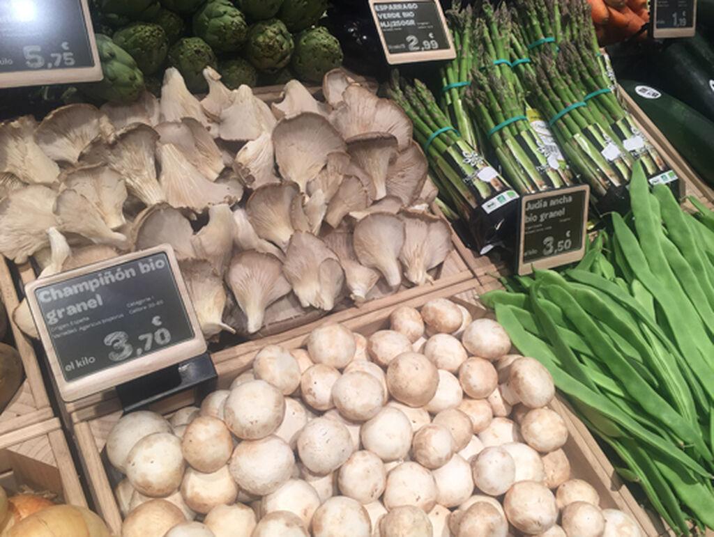 El establecimiento ofrece 1.800 referencias de productos bio