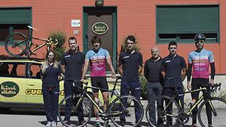 Kiwis sobre pedales en Galicia