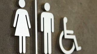 Detenido por grabar a mujeres en el baño de un supermercado