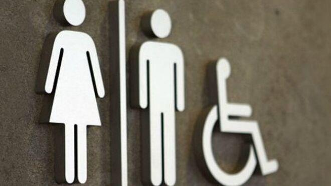 22e74fa14a9f Detenido por grabar a mujeres en el baño de un supermercado