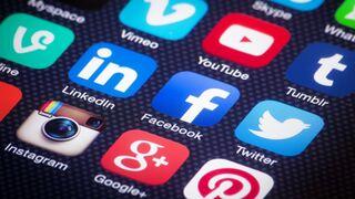 Redes sociales, seguidores y amiguismo