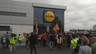 Tensión en supermercados catalanes de Mercadona y Lidl