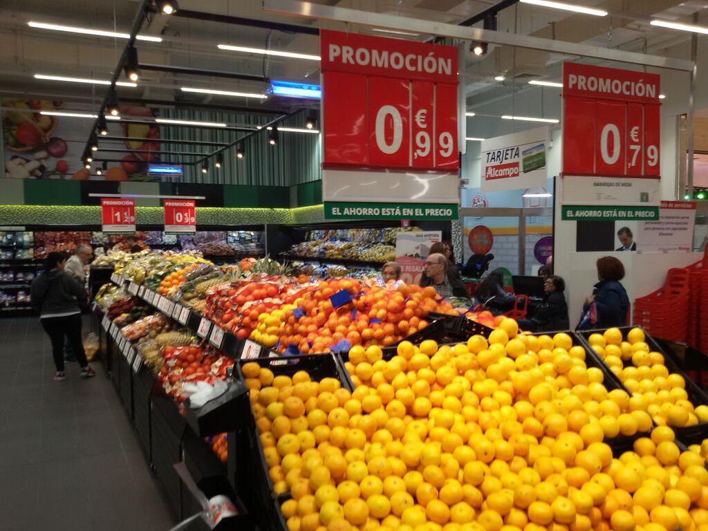 Sección completa de frutas y verduras