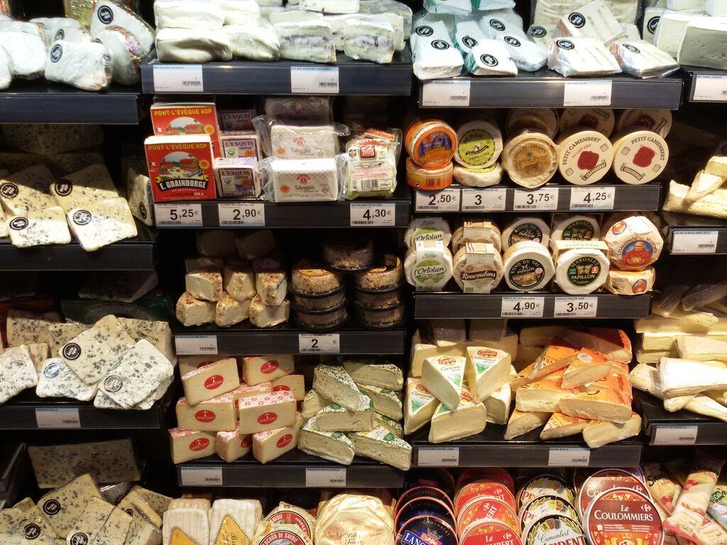 Multitud de quesos esperan a todos los clientes