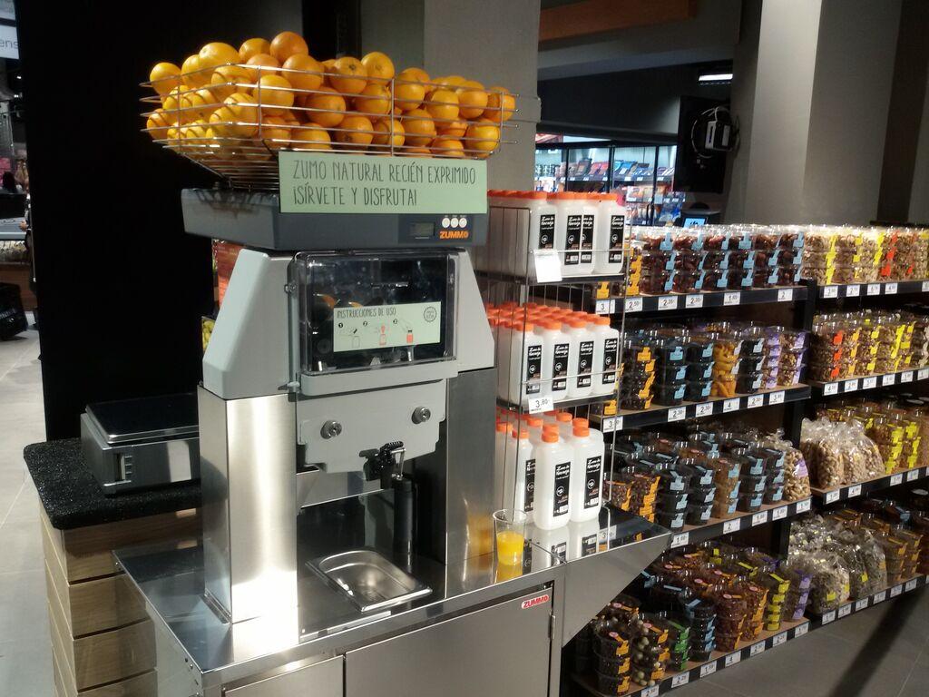 No podía faltar la máquina de zumo recién exprimido