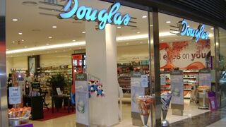 Entrada a una perfumería Douglas