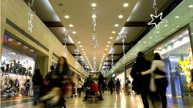 La afluencia a los centros comerciales subió en diciembre