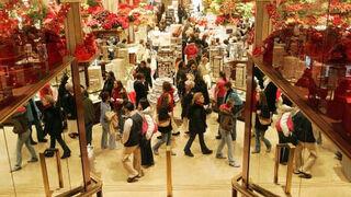 Se anima la afluencia a los centros comerciales
