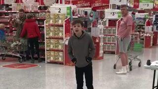 La voz de un niño autista conquista un supermercado