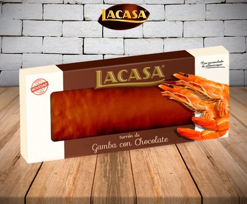 Hay turrones originales, pero este de Lacasa se lleva el premio gordo: gambas con chocolate