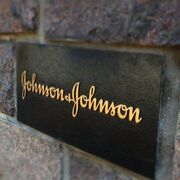 Johnson & Johnson recorta beneficios en el primer trimestre del año