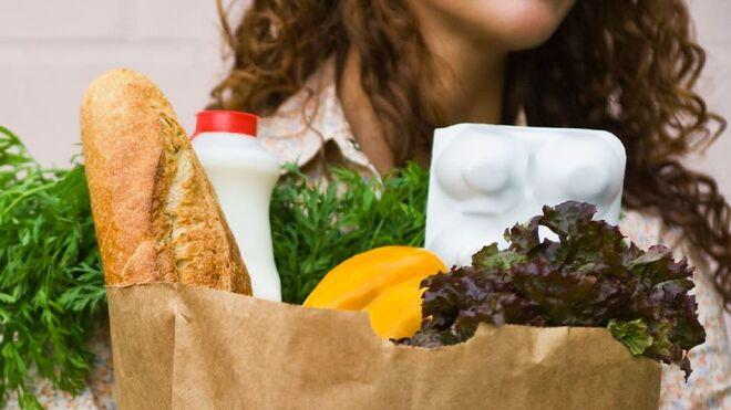 Alimentos y bebidas subieron de precio casi un punto en enero