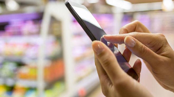 El móvil gana peso en la experiencia de compra mixta