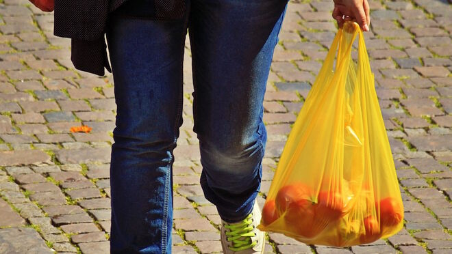 Los lectores piden menos plástico en los supermercados