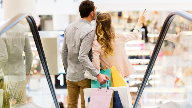 Baja el número de compradores en los centros comerciales