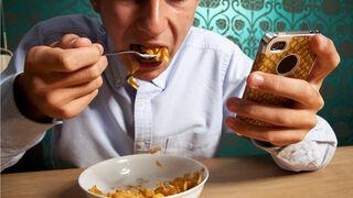 La 'alimentación en silencio', un peligro entre los más jóvenes