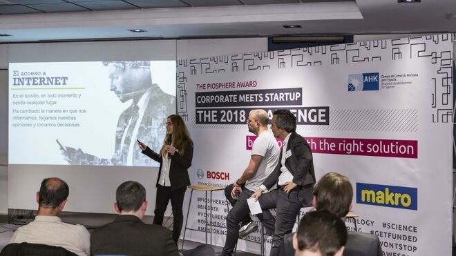 Makro reta a las startups a desarrollar soluciones digitales