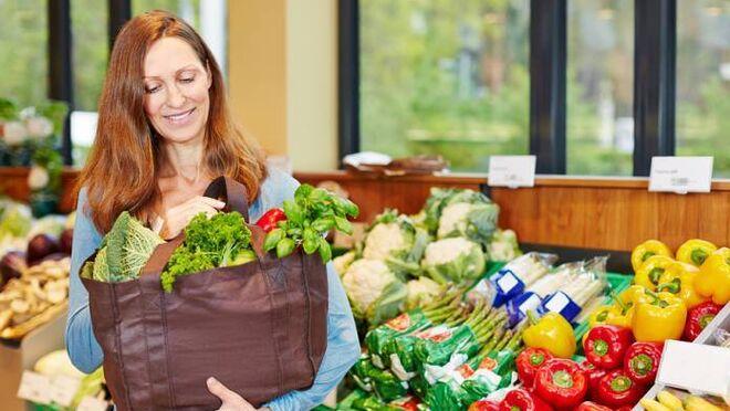 ¿Estás a dieta? Así puedes ahorrar en el supermercado