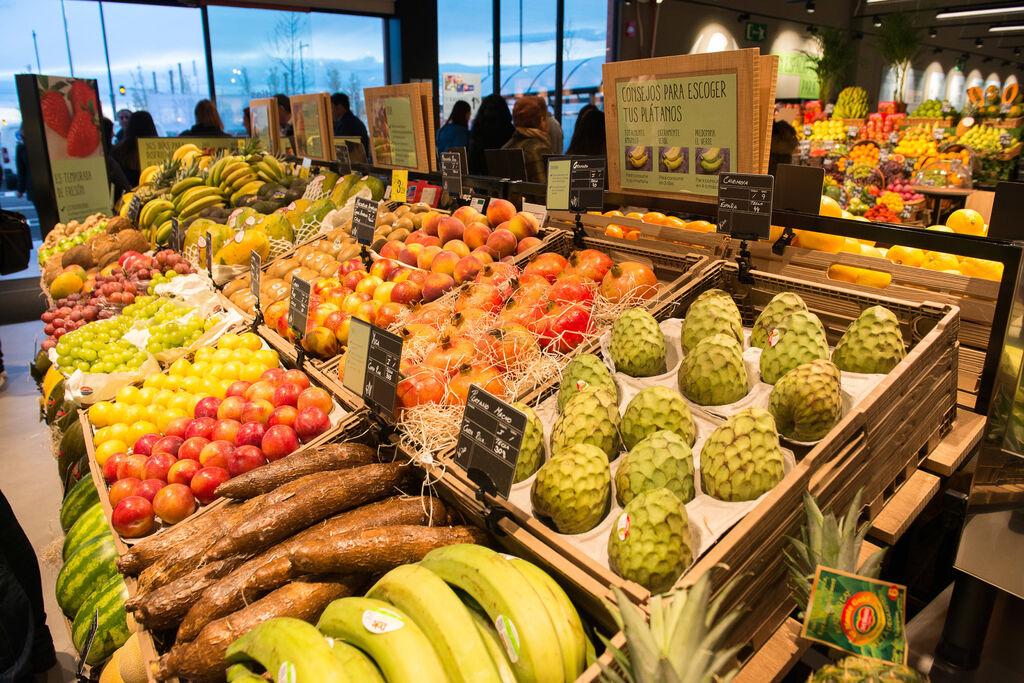 Amplia y cuidada selección de frutas y verduras en el Market premium de Carrefour