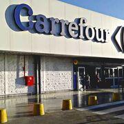 La estrategia del osito en Argentina: ¿por qué los supermercados venden peluches gigantes?