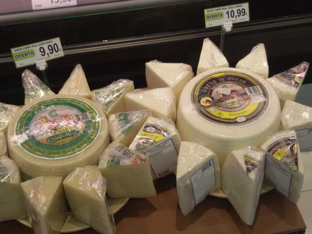 Bonita forma de presentar unos quesos para su venta