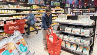 Eroski no quiere vender más tiendas para reducir su deuda