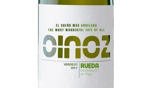 Oinoz lanza su primer vino blanco de cara al verano