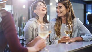 El vino blanco está de moda, sobre todo entre los jóvenes