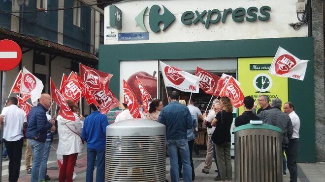 "UGT denuncia las ""infracciones legales"" de 4 Carrefour Express"