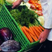 Cajas de plástico reutilizables para fruta y verdura, a examen