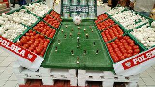El fútbol entra en los supermercados del mundo