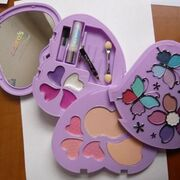 Alerta por un kit de maquillaje infantil de la firma Claire's