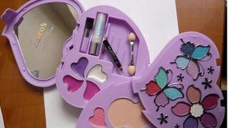 Kit de maquillaje infantil de la firma Claire's