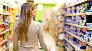 Más gasto en alimentación, pero menos consumo