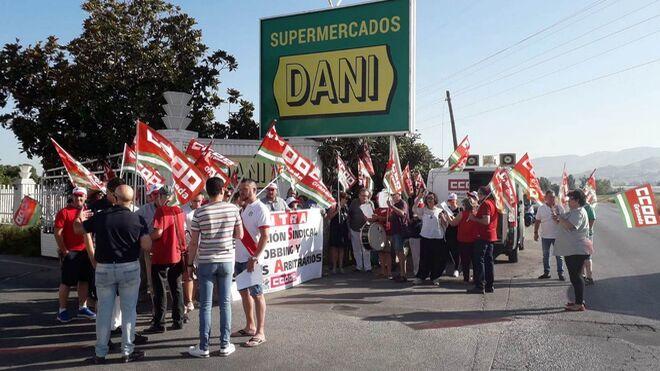 "Supermercados Dani, denunciada por ""represión"""