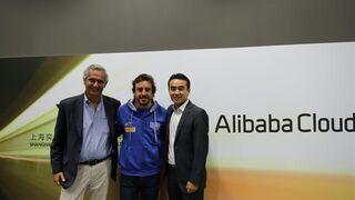 Alibaba y Fernando Alonso estrechan sus manos en China