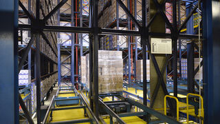 Interior de la fábrica de Henkel en Montornés del Vallés (Barcelona)