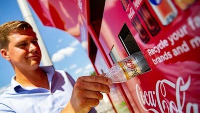 Reciclar Coca-Cola en parques de atracciones tiene descuento