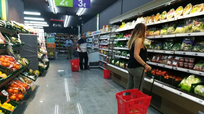 Es agosto pero...  siguen las aperturas de supermercados