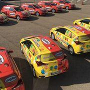 Así lucen los coloridos coches de Chocolates Lacasa