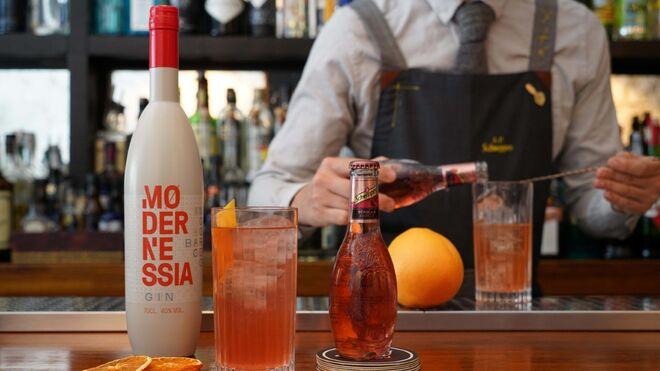 Modernessia, la ginebra que rinde homenaje a Barcelona