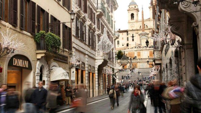 División en Italia en torno al cierre de los domingos