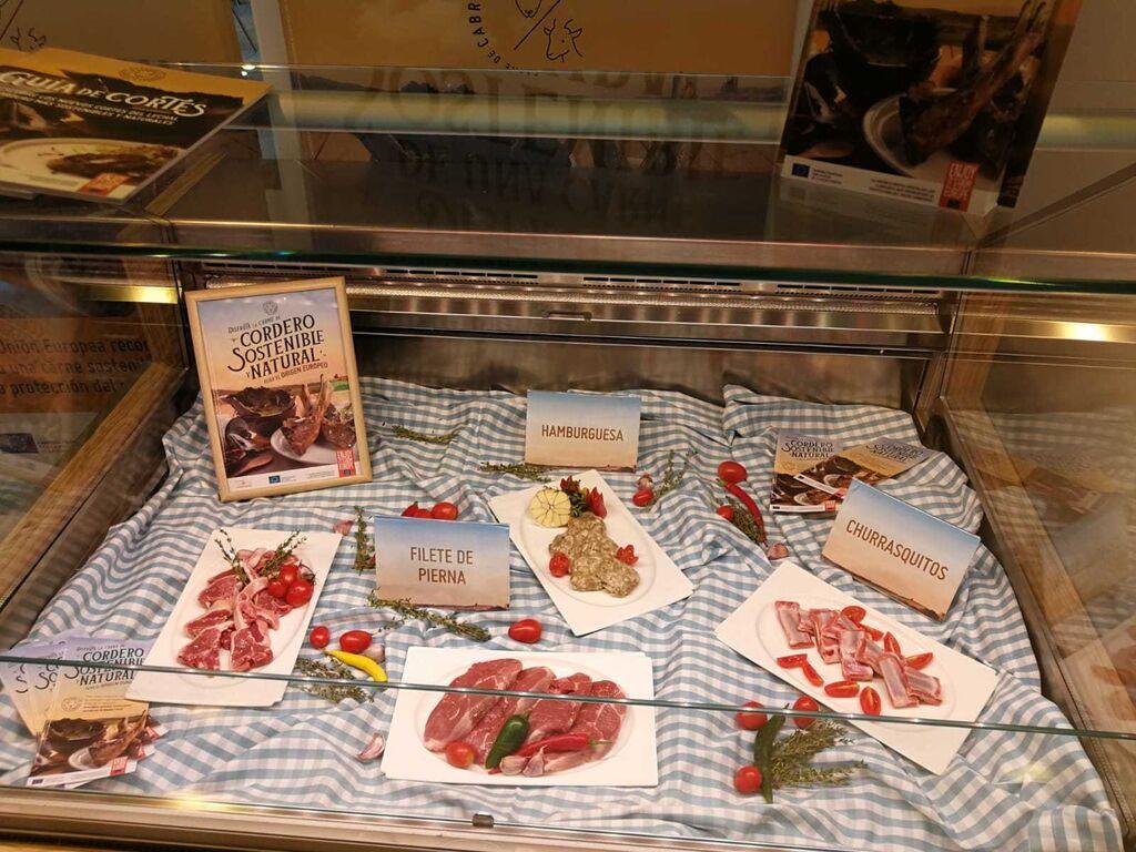 La Organización Interprofesional Agroalimentaria del Ovino y Caprino (INTEROVIC) ha dado a conocer los nuevos cortes de las carnes de ovino y caprino europeas.